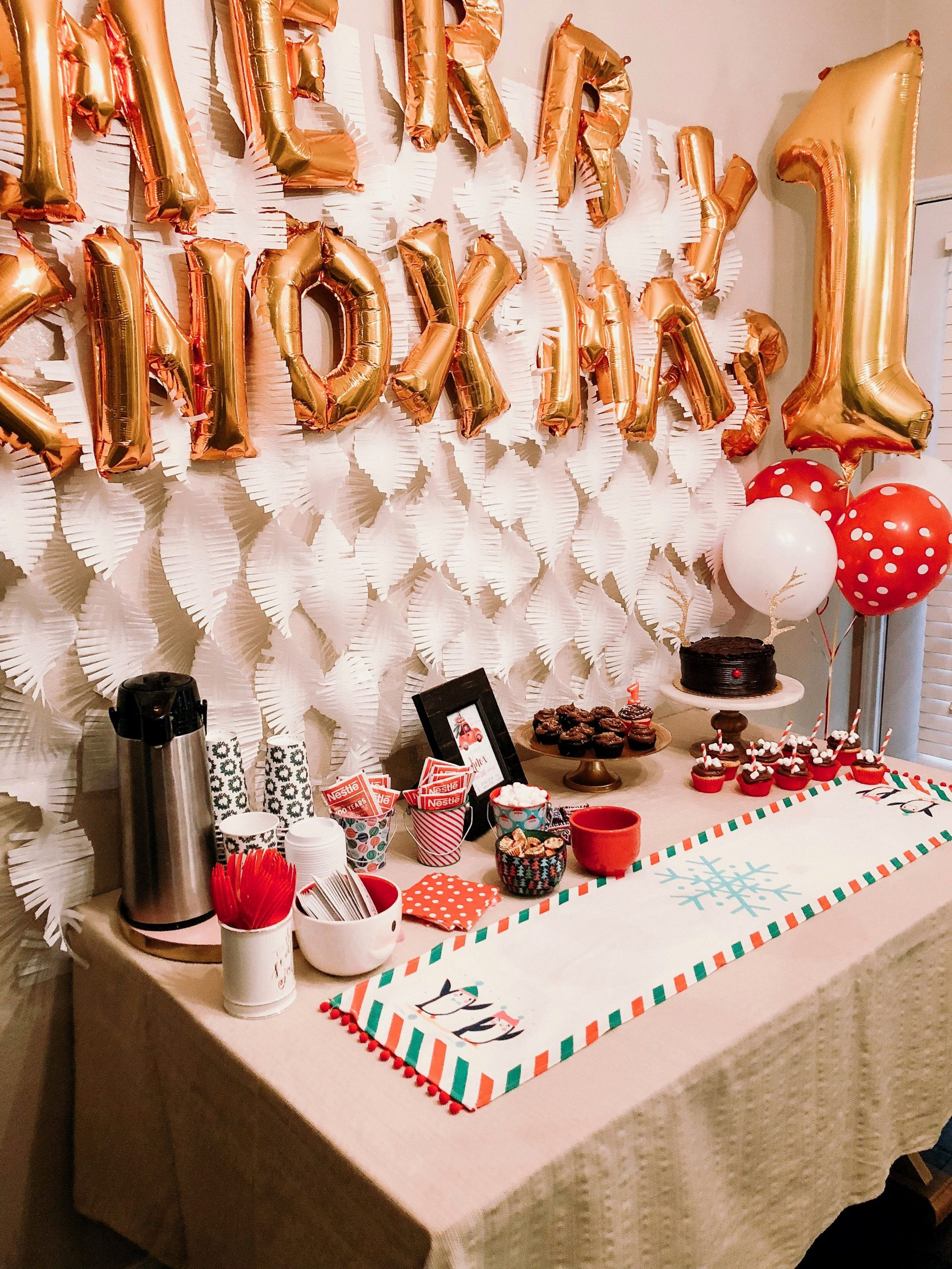 1 Year Old Birthday Decoration Ideas Awesome Our Merry Knoxmas Celebration