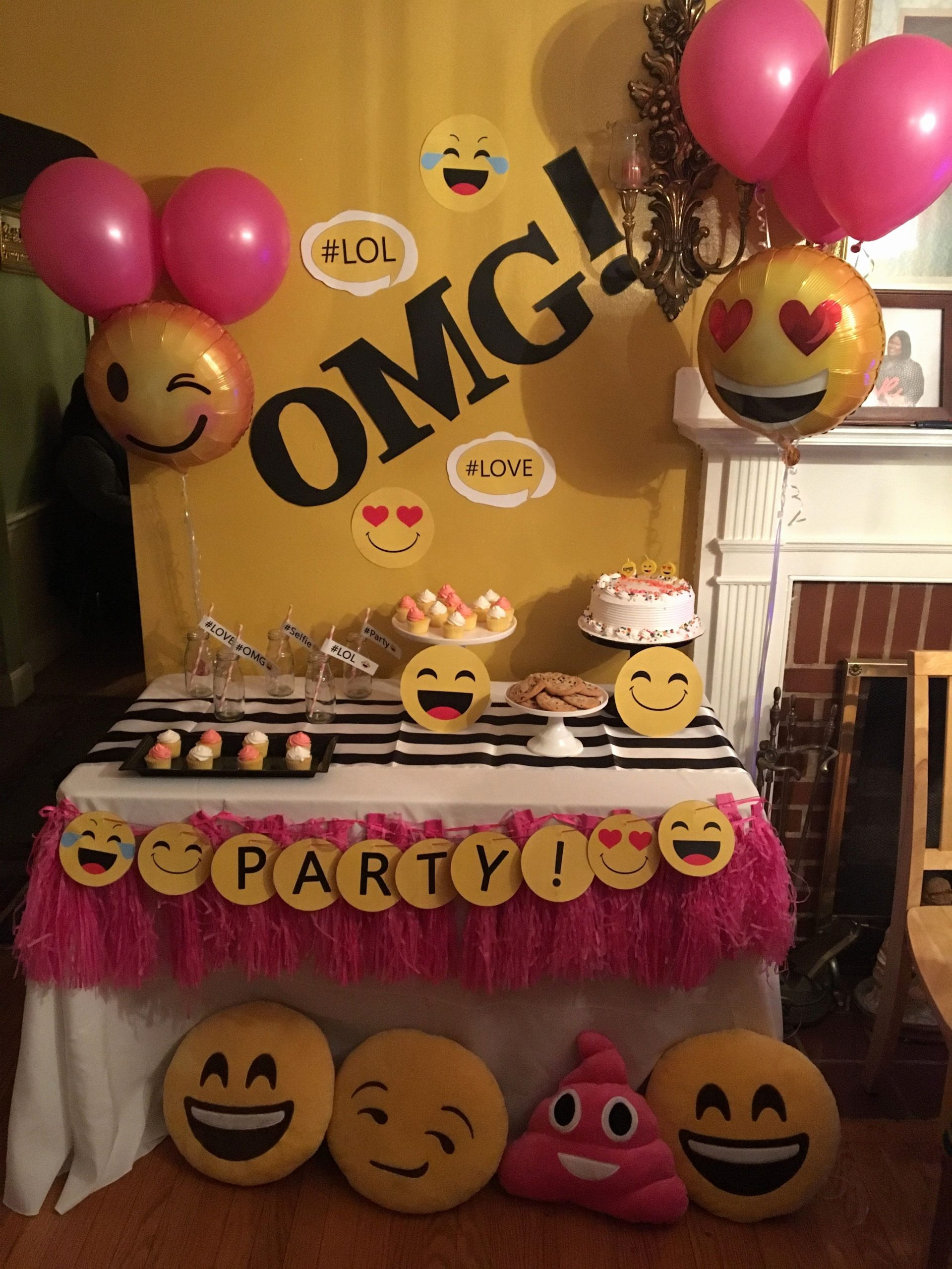 12th Birthday Decoration Ideas Best Of Emoji Party Decoration Ideas Inspirational Mariana