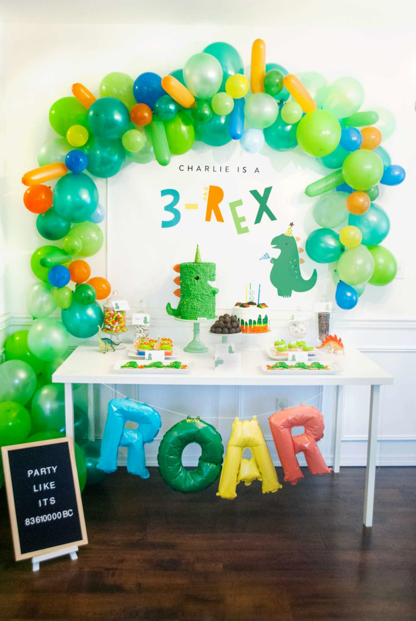 3 Year Old Birthday Decoration Ideas Elegant This 3 Rex Birthday Party is A Roaring Good Time
