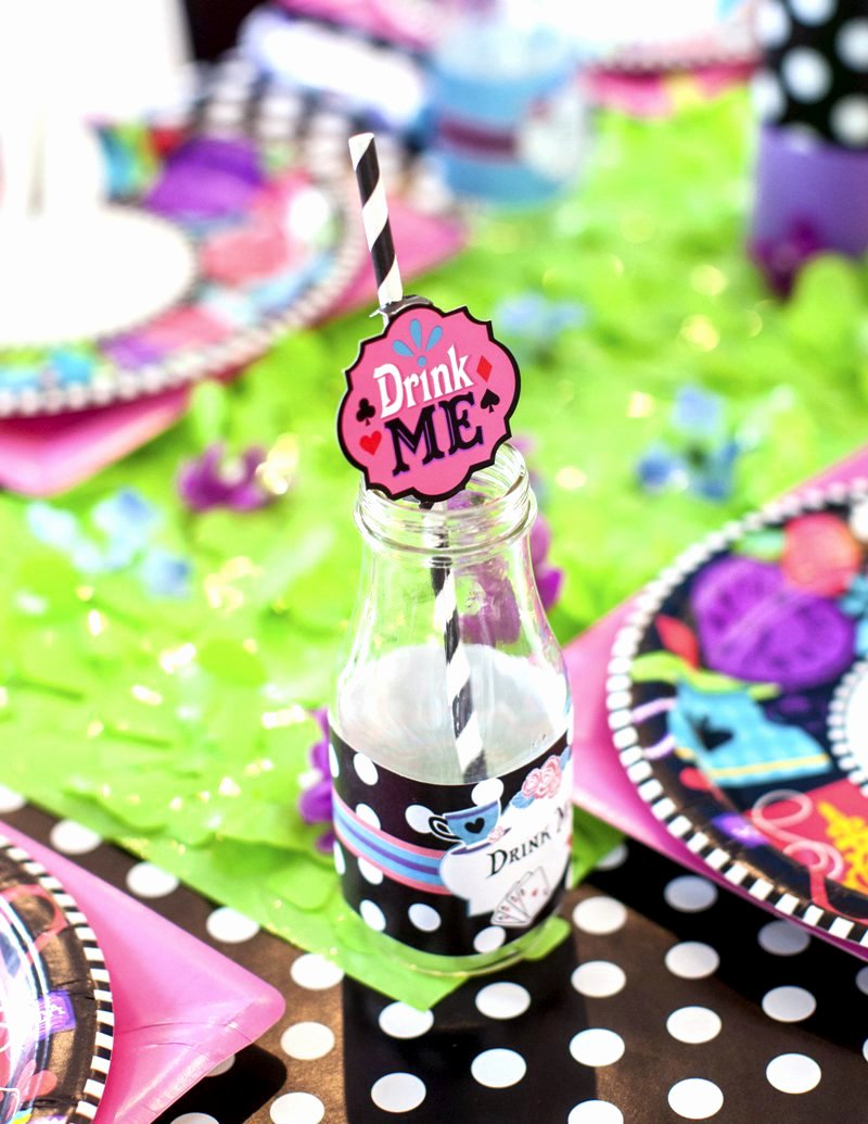 Alice In Wonderland Birthday Decoration Ideas Inspirational A Wonderland Birthday Mad Tea Party Party Ideas