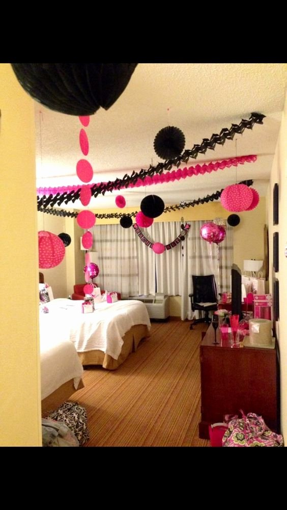 Banquet Hall Birthday Decoration Ideas New Hen Party Decorating the Hens Room