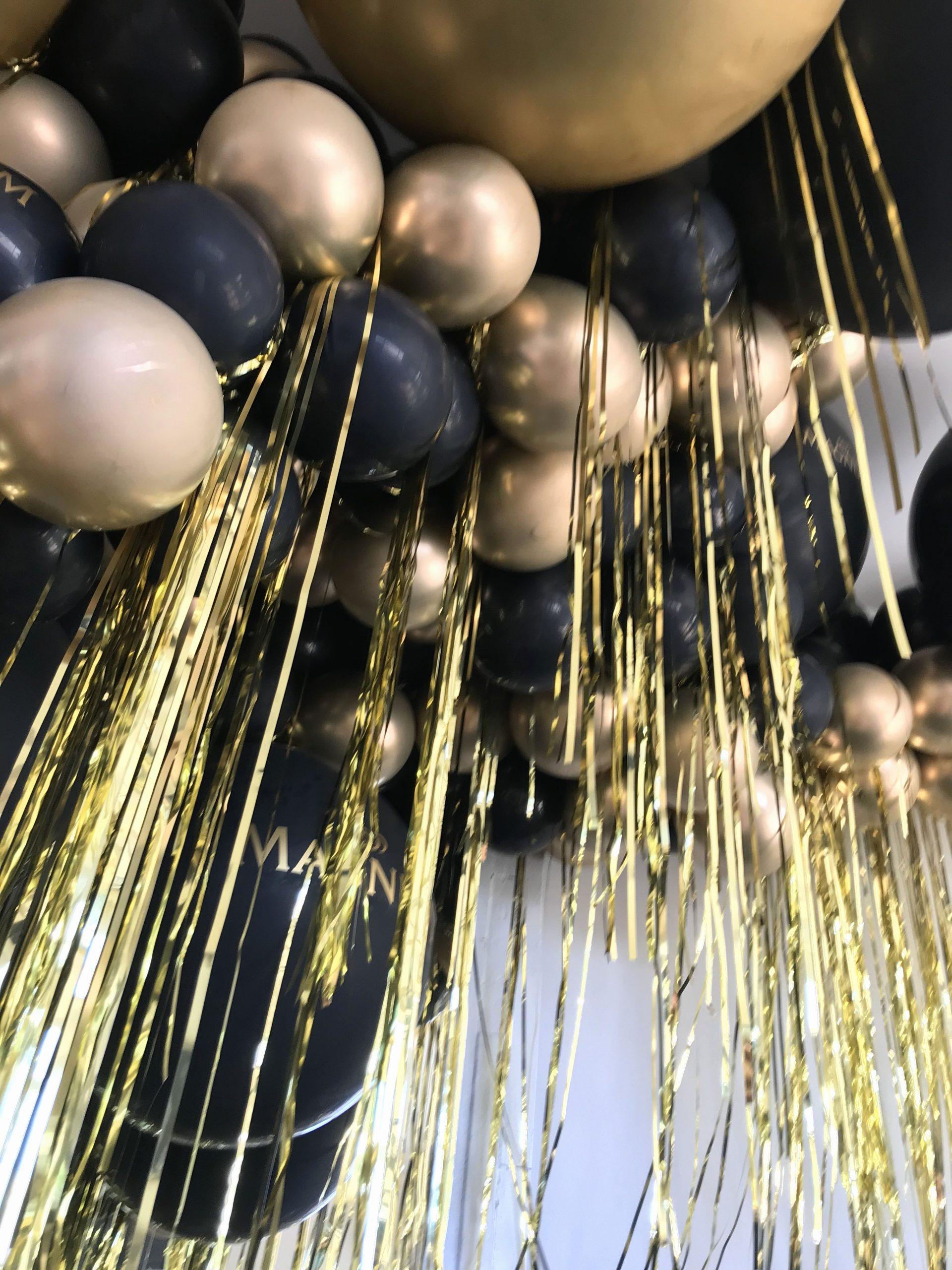 Birthday Decoration Ideas Black and Gold Best Of Black and Gold Balloons Luxurious Black & Gold Party