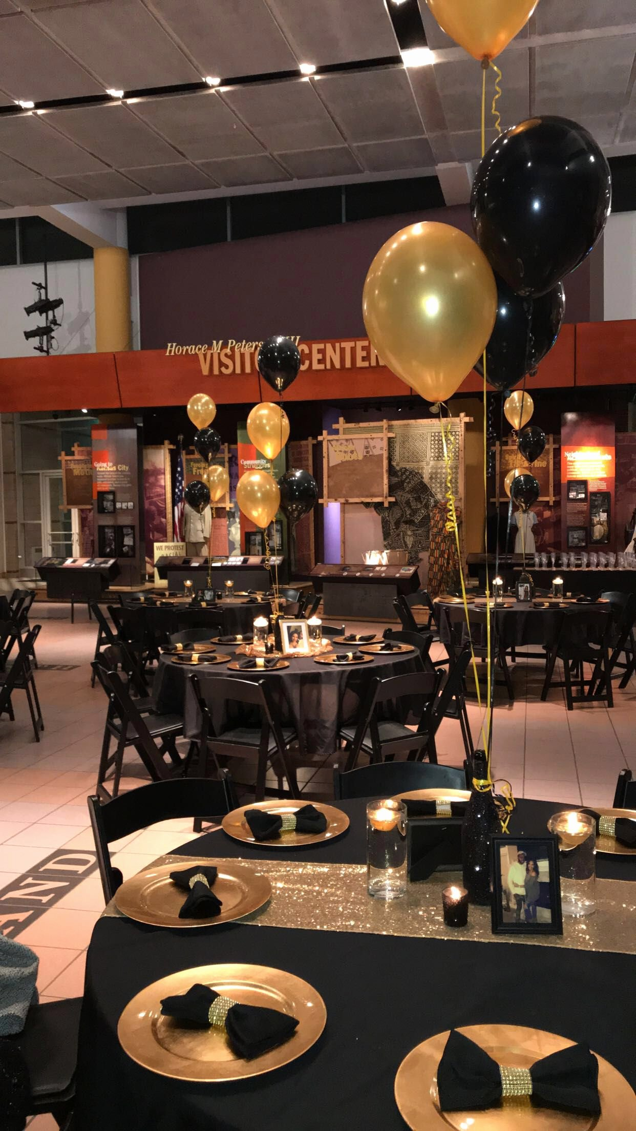 Birthday Decoration Ideas Black and Gold Elegant Black and Gold Table Decor