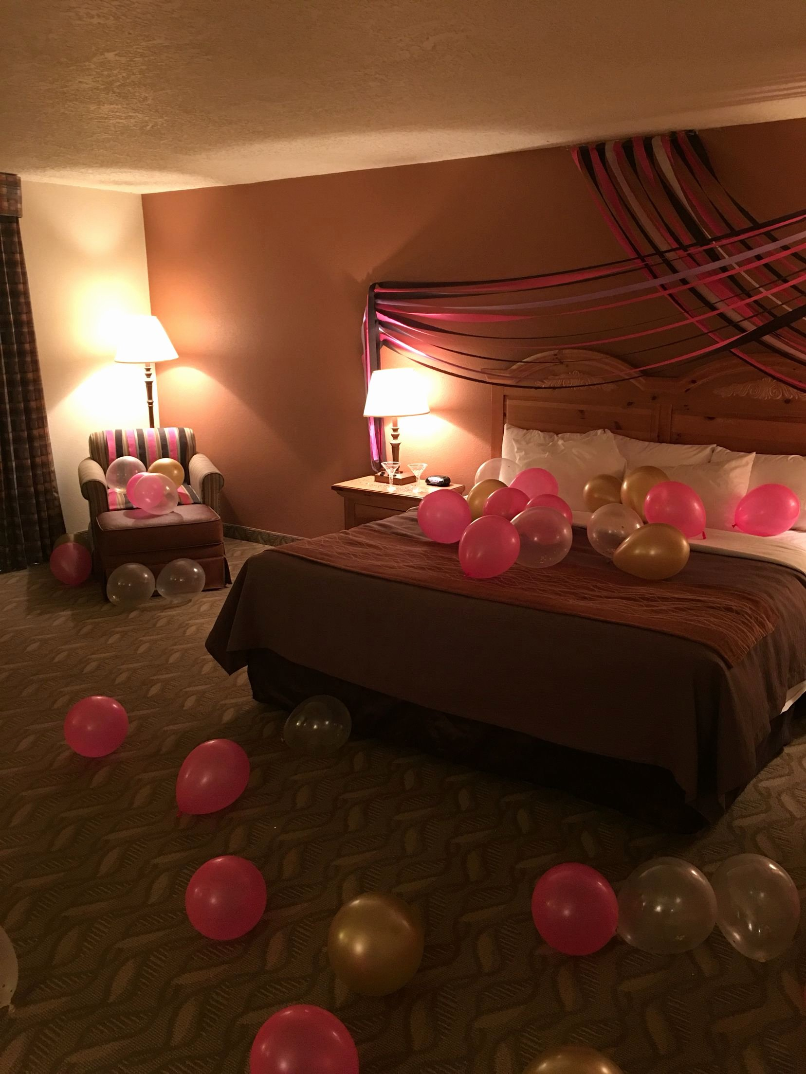 Birthday Decoration Ideas for Hotel Room Lovely Surprise Birthday Hotel Decor for My Best Friend