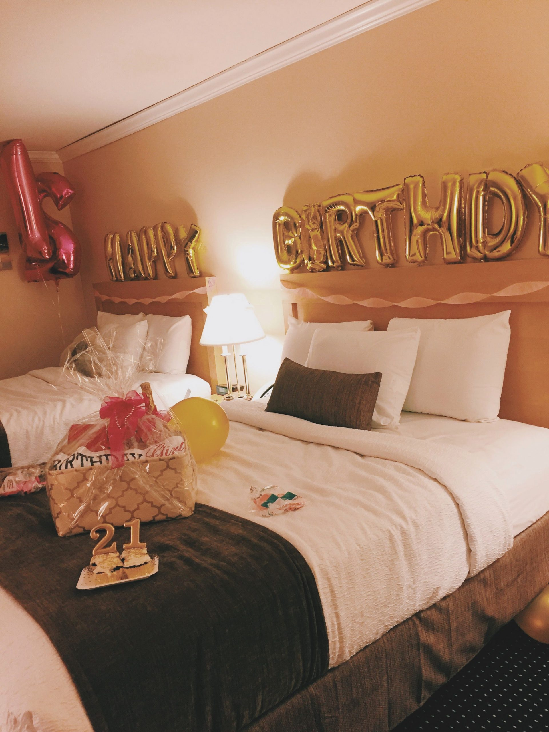 Birthday Decoration Ideas for Hotel Room Luxury Hotel Decorations for A Birthday