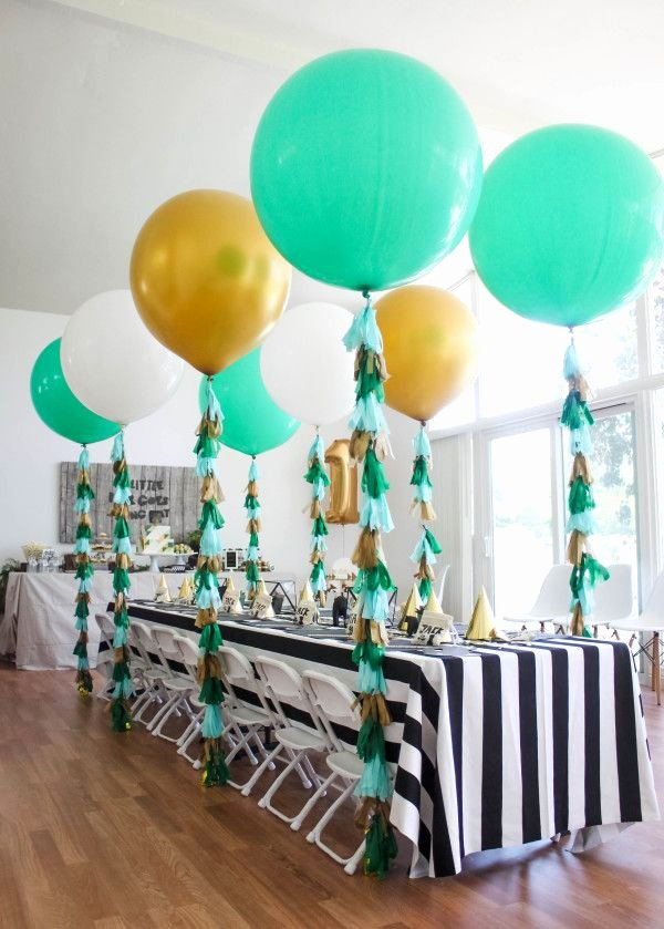 Birthday Decoration Ideas Green Awesome 51 Reasons Black and White is Having A Moment