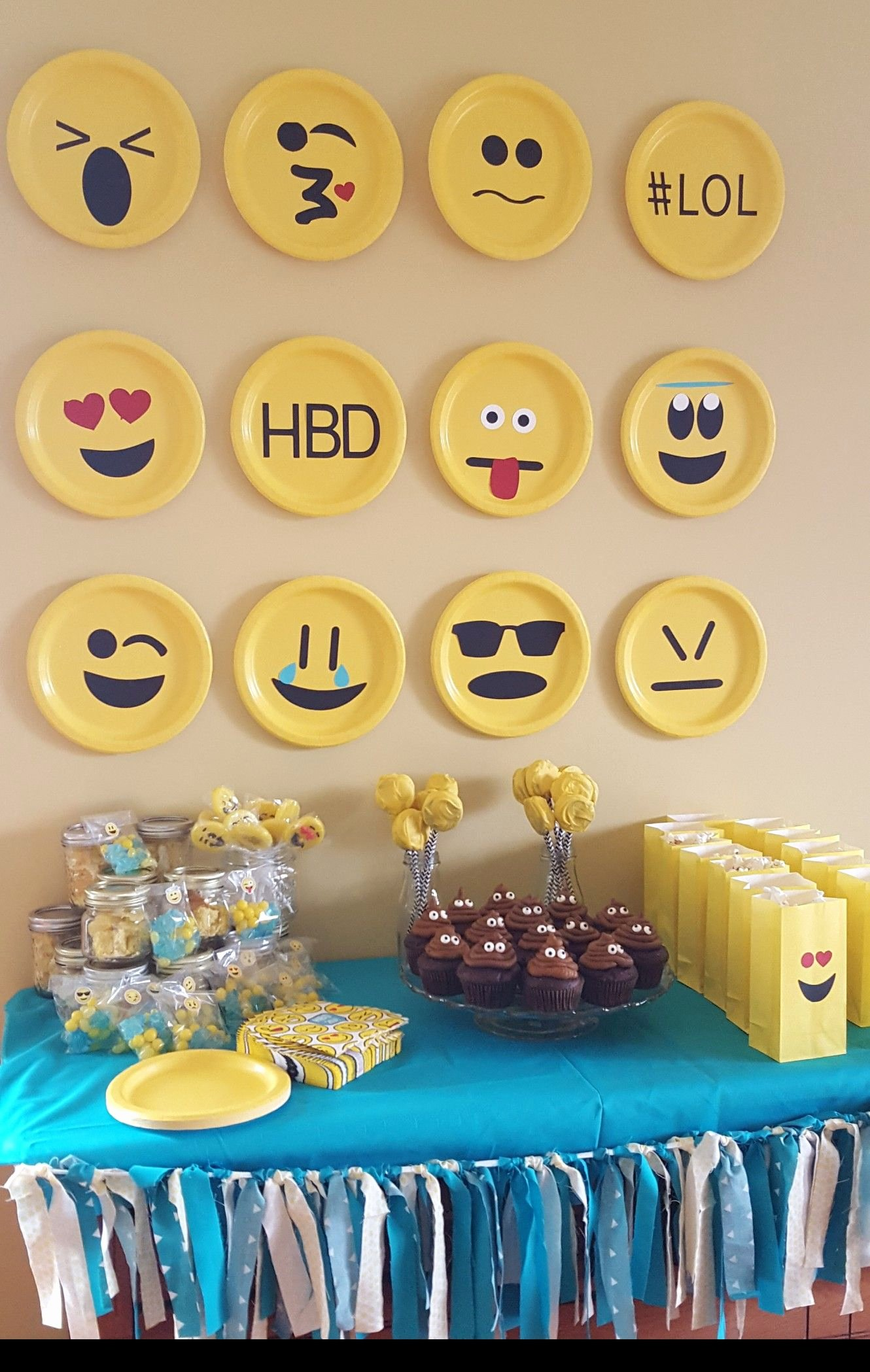 Emoji Birthday Decoration Ideas Lovely Emoji Party