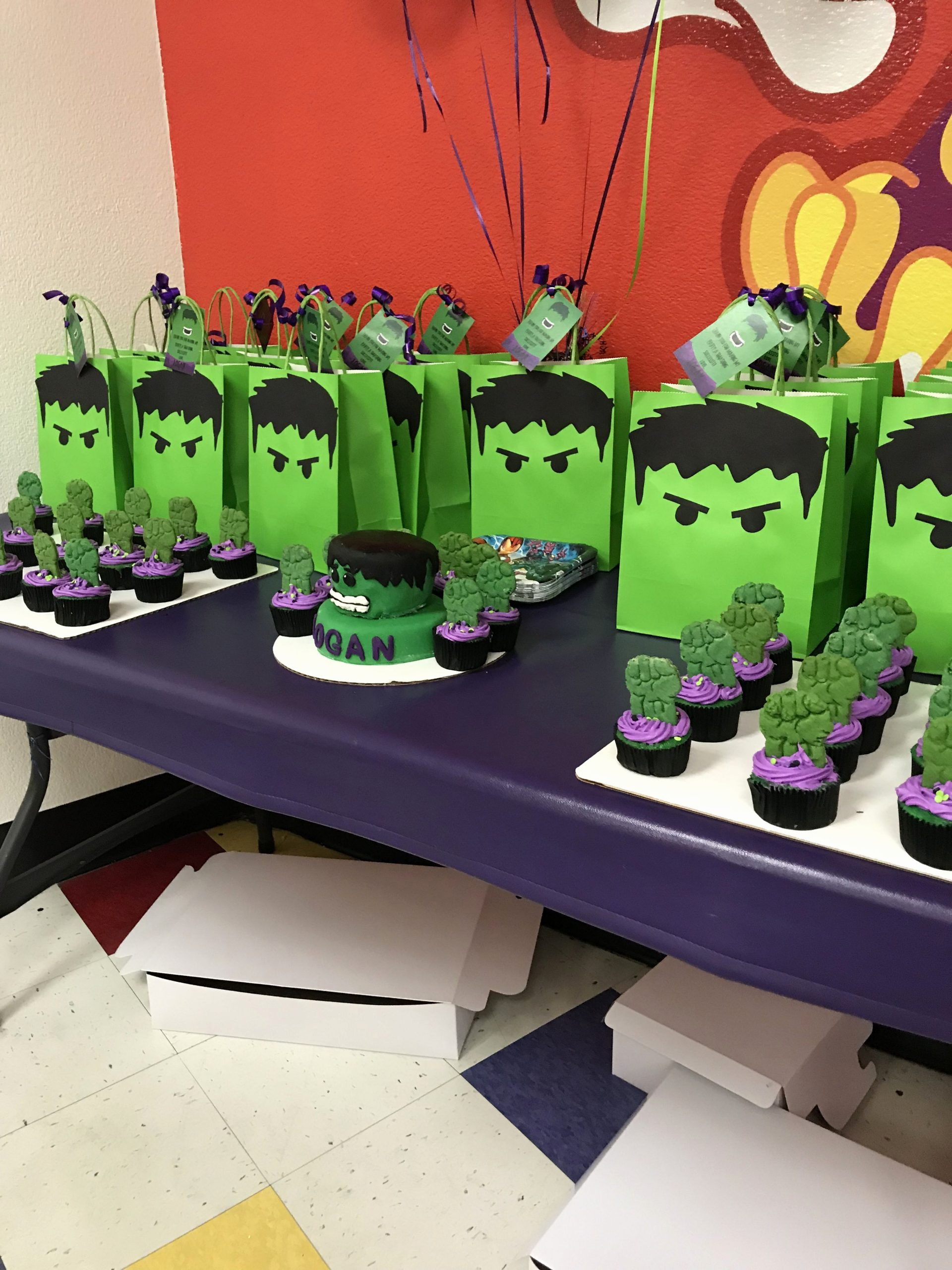 Hulk Birthday Decoration Ideas Unique Hulk Birthday Party Party Bags Cupcakes and Cake