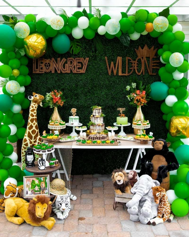 Jungle theme Birthday Decoration Ideas Lovely Wild E Safari Birthday Party Ideas