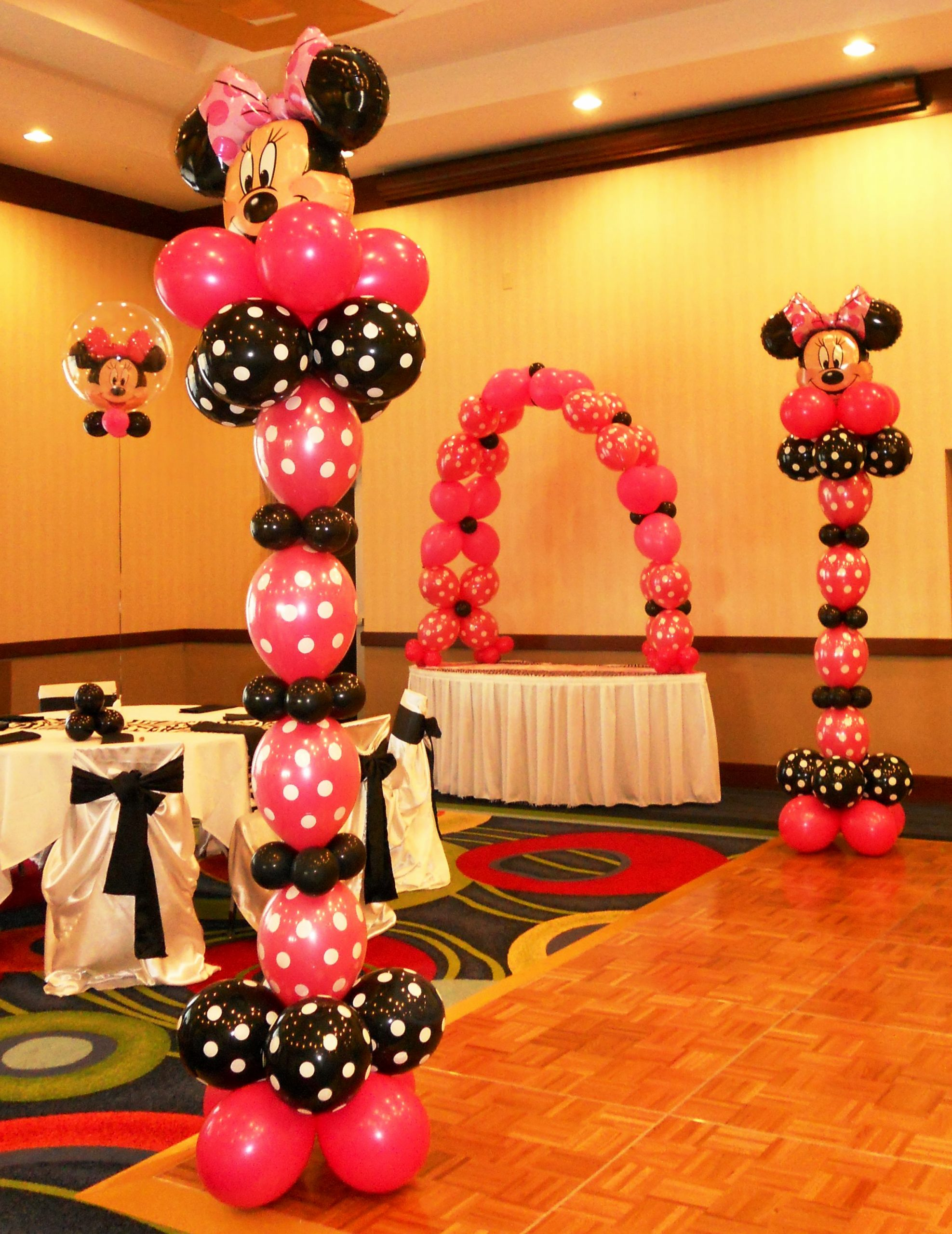 Mickey and Minnie Birthday Decoration Ideas Elegant Mickey and Minnie Mouse Party theme