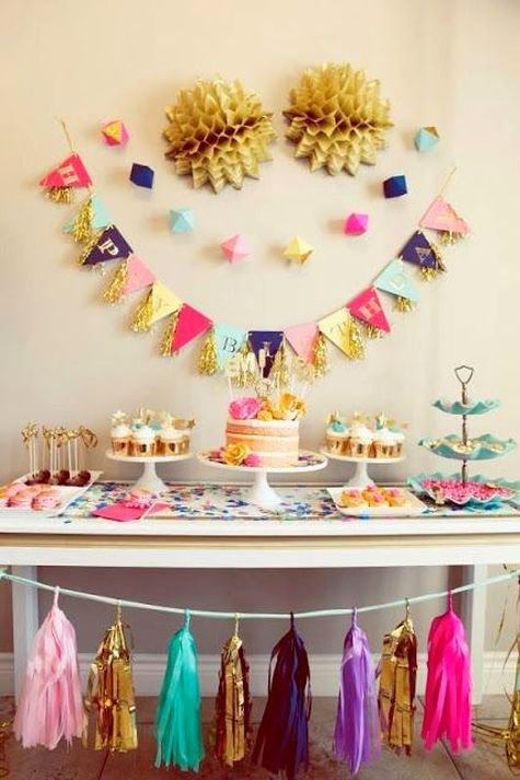 Simple Birthday Decoration Ideas at Home for Mom Lovely Stylish Birthday Parties without Balloons Curated Stylish