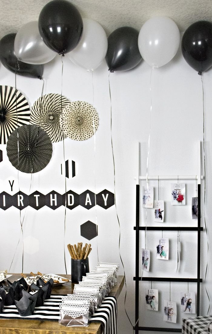 Simple but Elegant Birthday Decoration Ideas Lovely Black and White Birthday Party