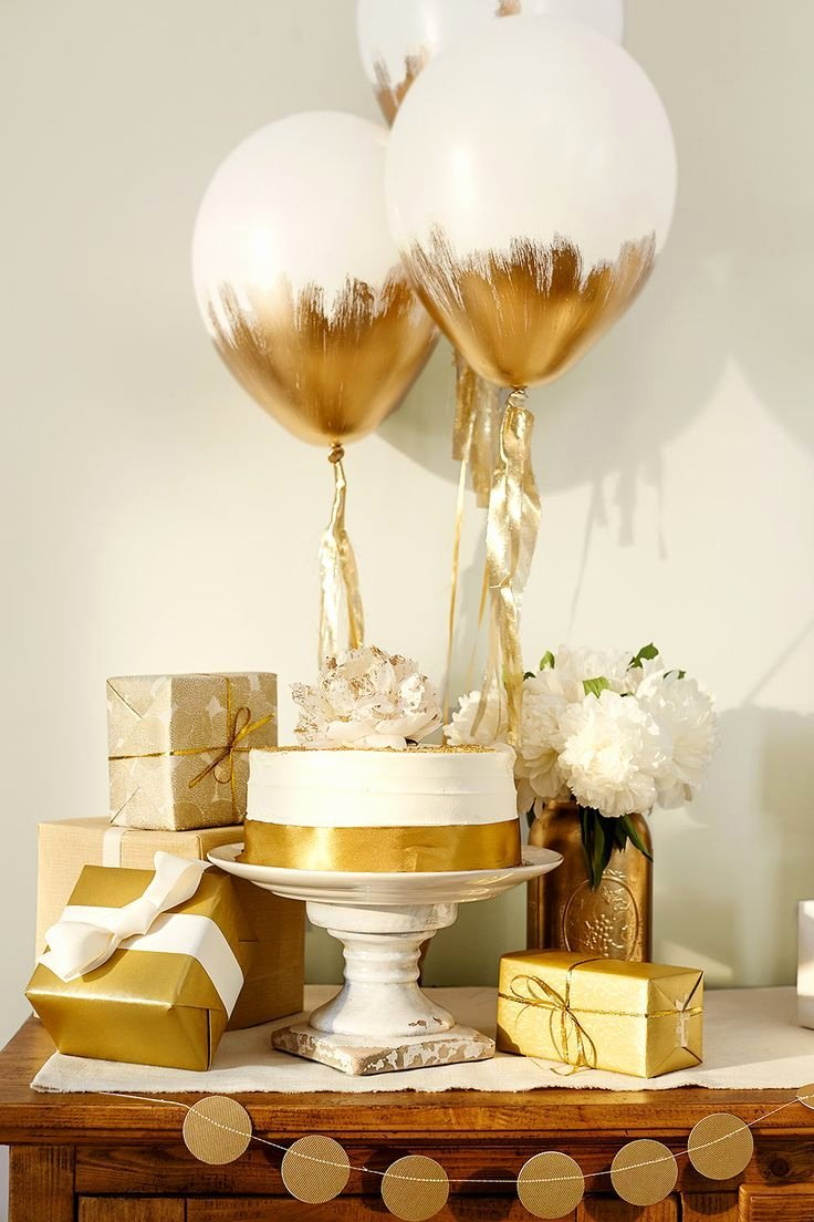 Simple but Elegant Birthday Decoration Ideas Luxury Gold Gifting Table for Baby Shower