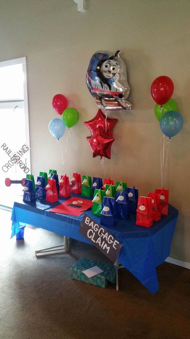 Thomas Train Birthday Decoration Ideas Awesome Thomas the Train Birthday Party Decorating Ideas